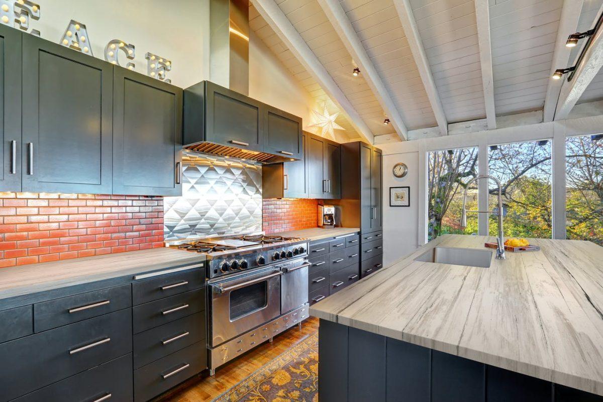 aged-timber-kitchen