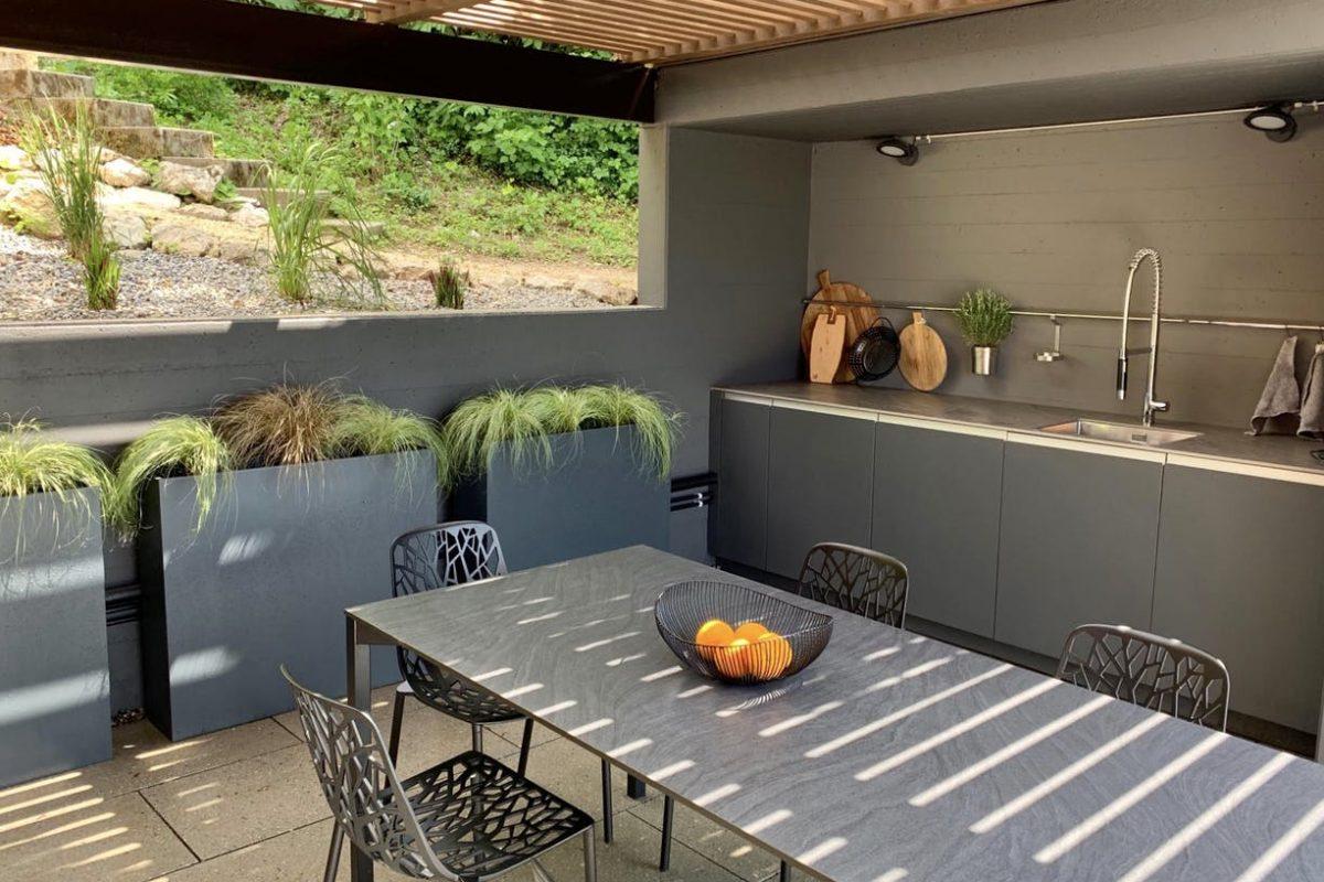 outdoorkitchen-forest-house